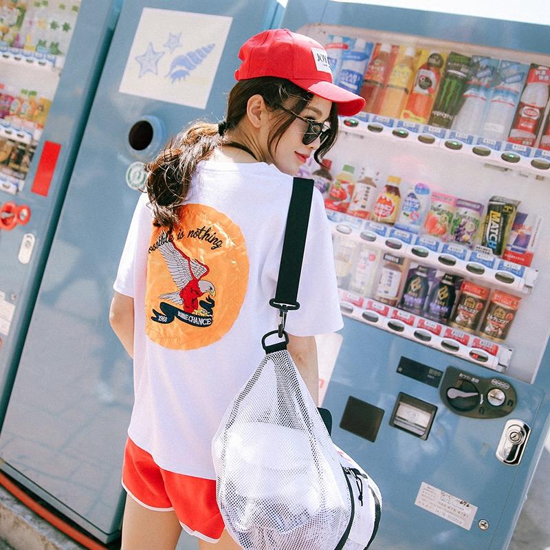 黄一琳2017新款女装 韩版动物刺绣纯棉T恤