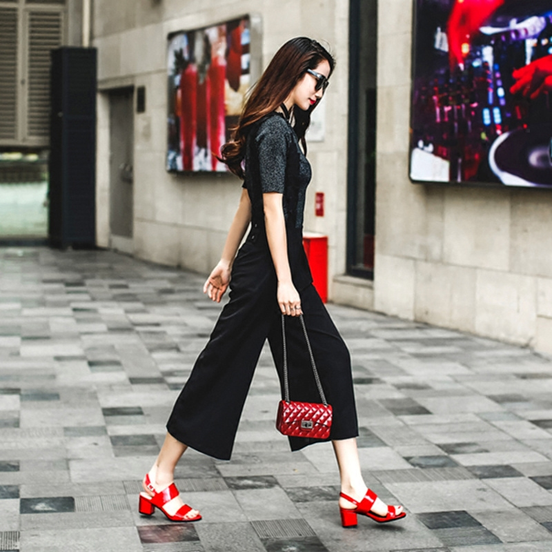 蛋蛋肖真皮凉鞋女夏2017新款中跟粗跟红色40露趾一字扣带韩版女鞋