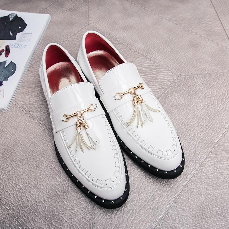 韩版白色尖头皮鞋男士英伦酷2018潮流苏发型师漆皮商务休闲鞋子