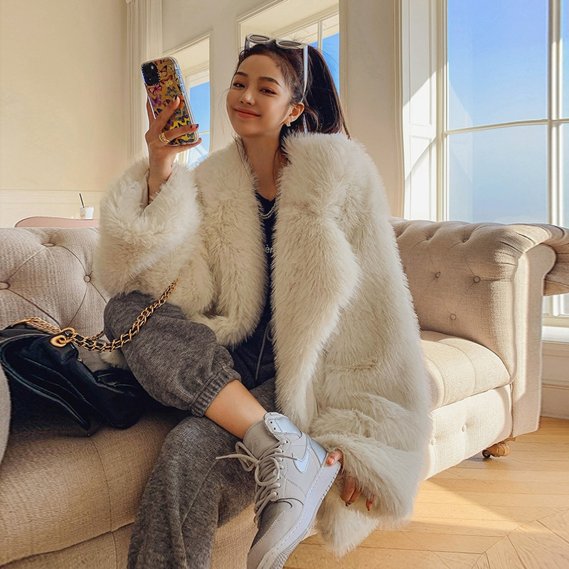 2021新款白色仿狐狸毛中长款西装年轻款托卡毛毛炸街环保皮草外套