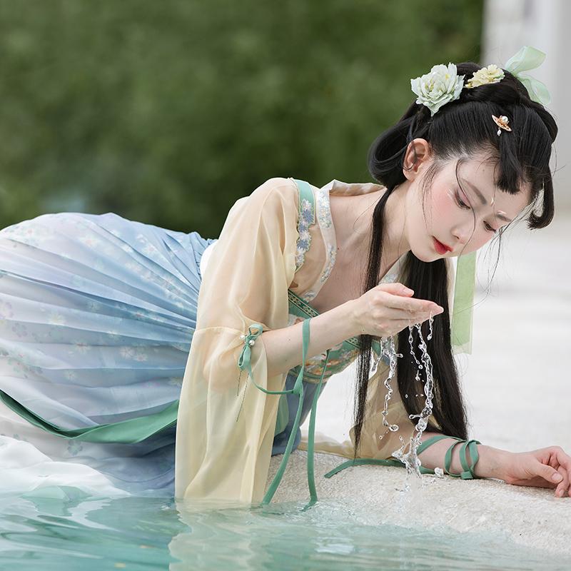 芥子记月兔茶汉元素改良款汉服夏秋季仙女上襦齐胸襦裙肩带三件套