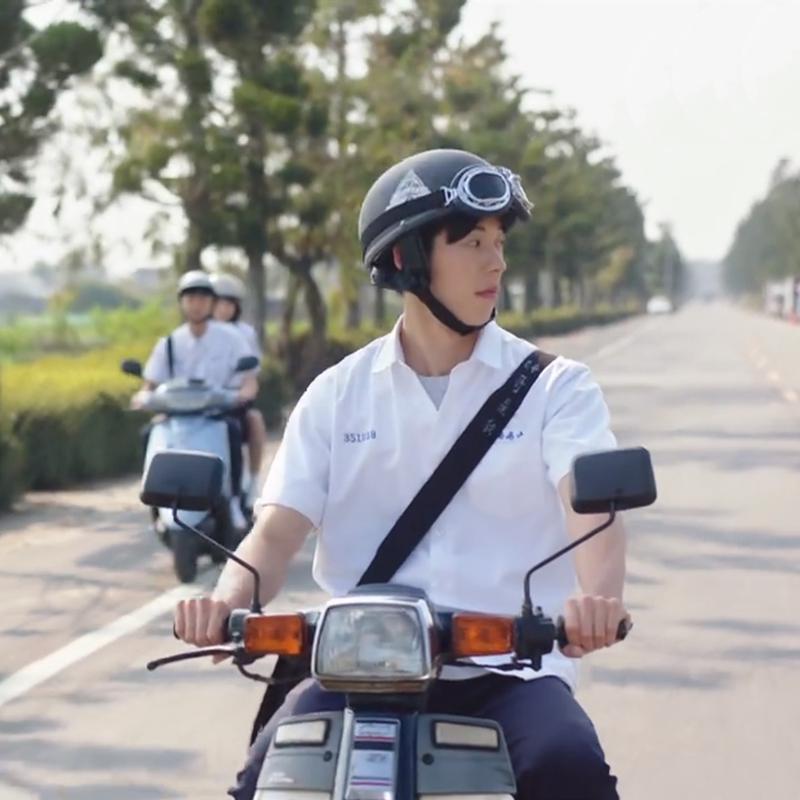 李子维同款电动车帽春夏季想见你许光汉电瓶车机车摩托车安全头盔
