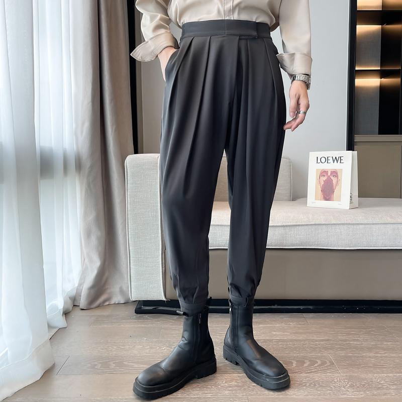秋季配马丁靴的裤子男束脚褶皱设计感哈伦裤网红抖音ins潮发型师