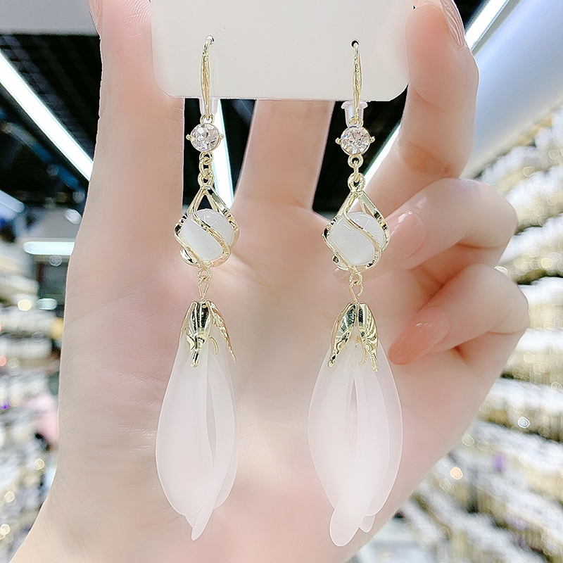 猫眼石白花瓣耳环超仙韩国气质长款流苏耳坠设计感网红显脸瘦耳饰