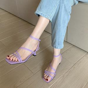 网红仙女风一字扣带凉鞋2020夏猫跟小高跟紫色方头绑带中跟平头鞋