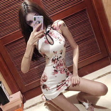 Bar Women's 2018 Autumn New Anchor Sexy Halter Color Improved Cheongsam Tights Hip Dress