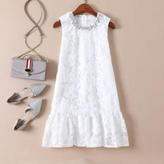 Mu Na Nana Europe and the United States 2018 new women's clothing Heavy work diamonds lotus leaf A word was thin and sleeveless dress