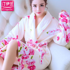 Nightgown ladies autumn winter long-sleeved thick flannel leopard middle-aged bathrobes autumn and winter coral velvet pajamas