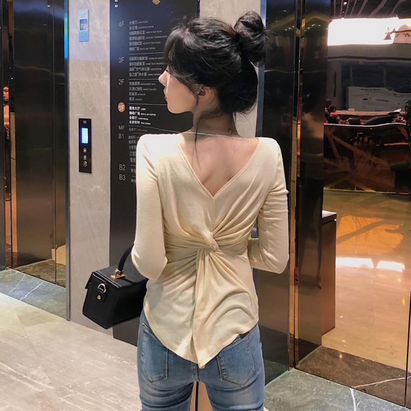早秋新款时尚V领漏锁骨上衣洋气交叉褶皱修身前后两穿长袖T恤女