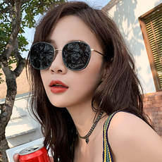 Sunglasses female ins Korean version of the tide net red 2019 new anti-UV sunglasses fashion street beat round face polarized