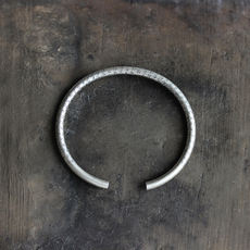 Recommended!Hikari produced <degree all bitterness>foot silver 99 sterling silver heart opening bracelet Bangle art bracelet