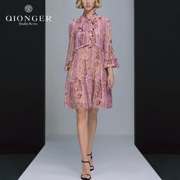 欧洲站2018夏装新款欧美高端时尚V领系带荷叶边喇叭袖印花连衣裙