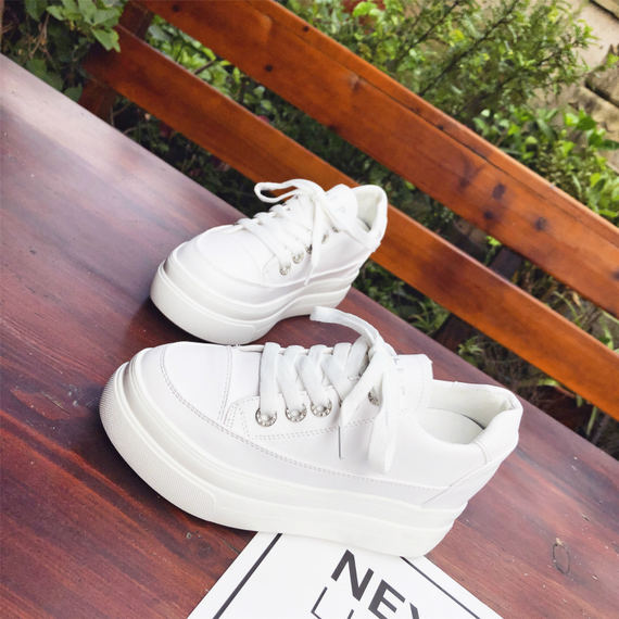 2018 summer new Korean version of ulzzang small white shoes female wild sponge cake thick bottom casual increase shoes tide