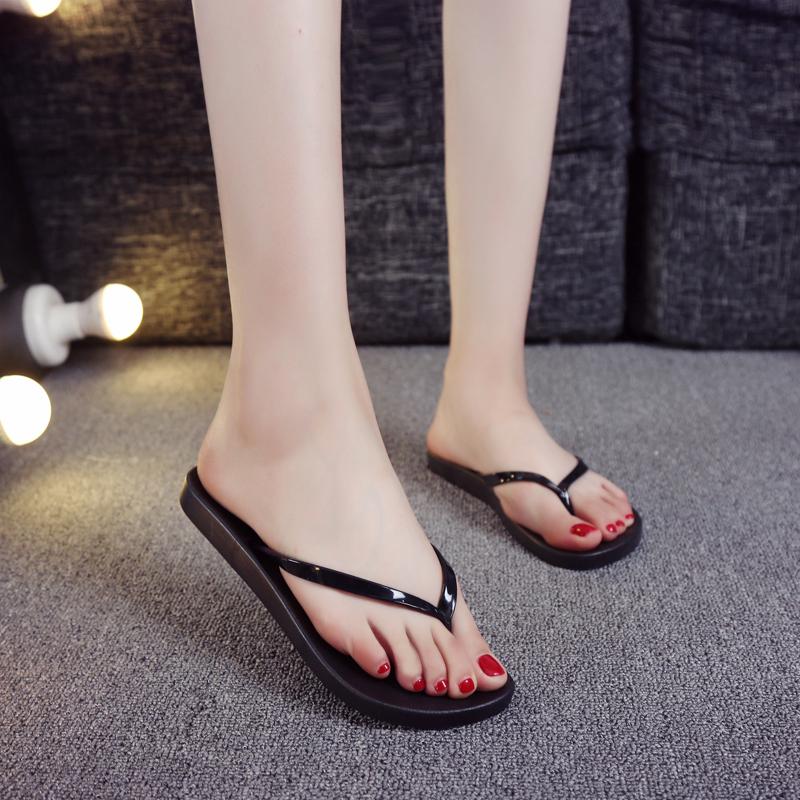 夏季人字拖女纯色简约凉鞋平底防滑沙滩鞋舒适夹脚休闲软底拖鞋女