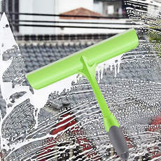 Household glassware artifact scraping glass wiper scraping kitchen table cleaning scraping window