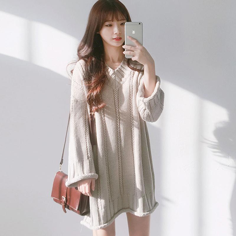 秋冬女装韩版气质复古时尚宽松长袖针织衫中长V领显瘦纯色毛衣裙
