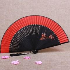 婚庆新娘大红色中国风扇子古风折扇日本女士古典工艺礼品真丝绢扇