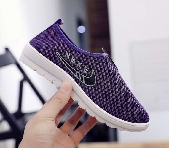 Spring old Beijing cloth shoes women's shoes casual work shoes flat bottom one foot single shoes sports shoes soft bottom mother shoes