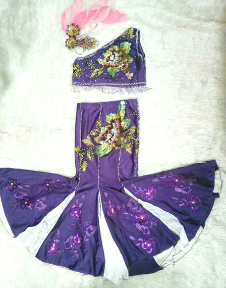 Children's Dai dance costumes. Children's Dai dance performance clothing