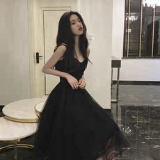Hong Kong flavor retro chic summer 2018 new lace V-neck sling stitching dress fairy A word small black dress
