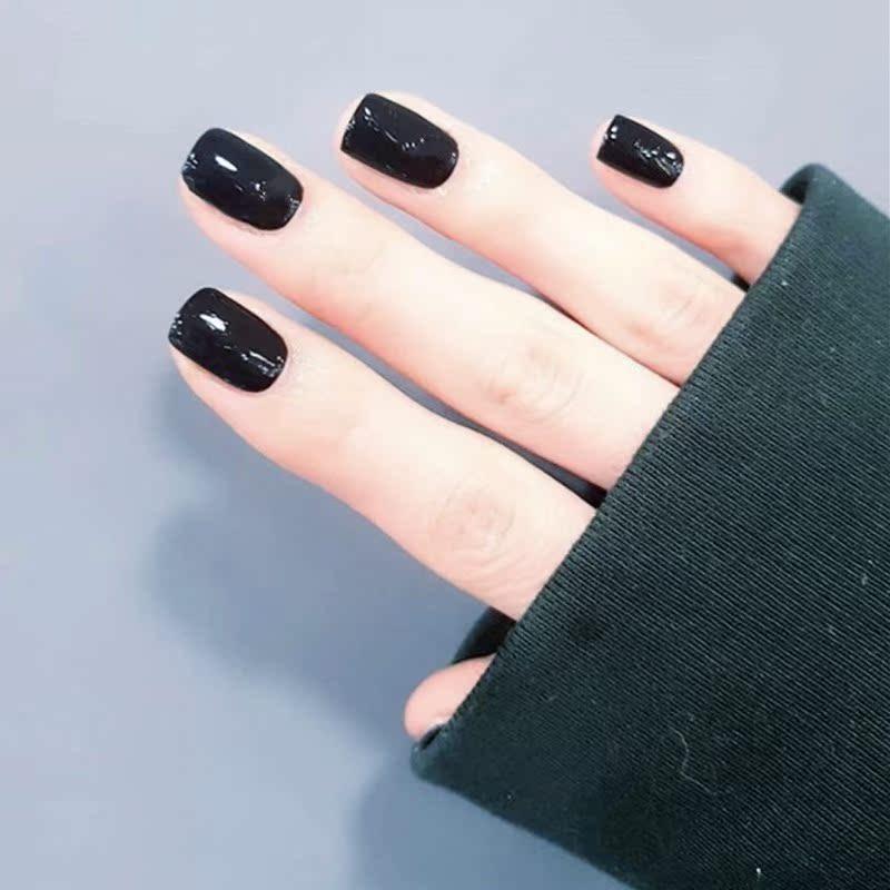 欧美美甲_黑色简约欧美暗黑短款显手白纯色方头假指甲成品穿戴美甲贴片优惠券