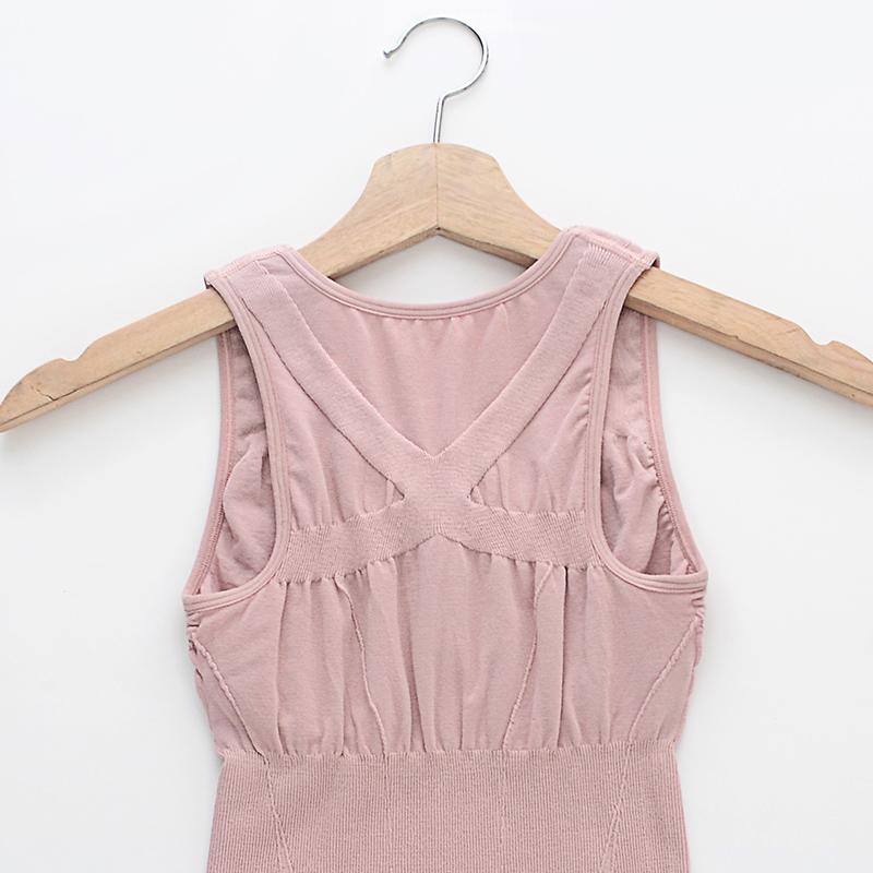 塑身背心女大码春季薄款透气无痕收腹束胸美体内衣带胸垫瘦身上衣