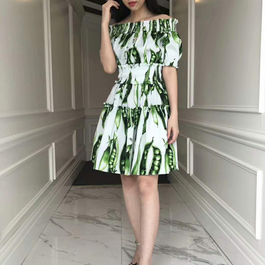 18夏 一字肩豌豆公主印花收腰泡泡短袖連衣裙女優雅氣質度假風