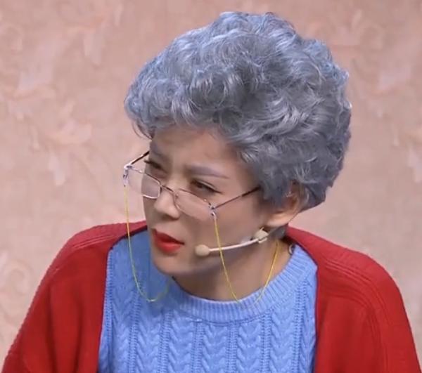 花白假发饰演老年人女士短卷发银白头发小品演出老奶奶老太太头套图片