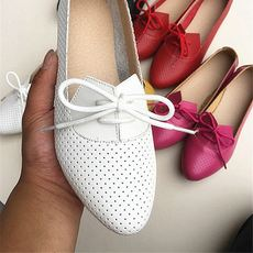 Flat bottom leather mother shoes single shoes soft bottom non-slip pregnant women sandals flat with lace casual pointed students small white shoes