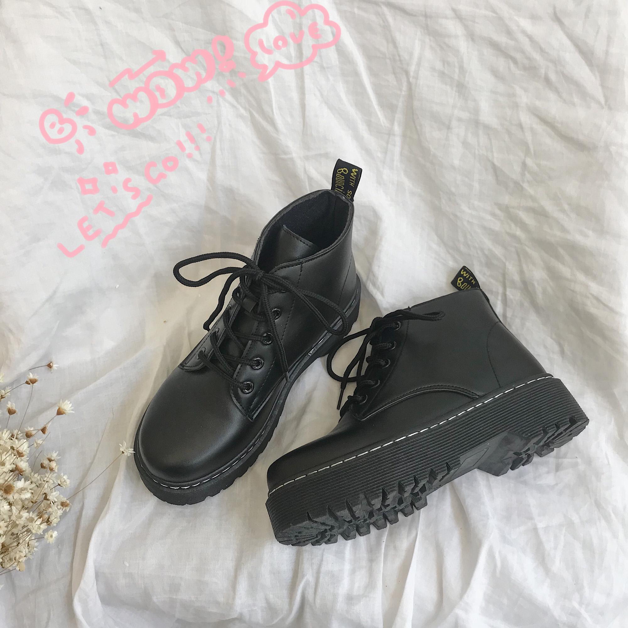 2018秋季新款马丁靴女休闲圆头系带黑色时尚防水台松糕底短筒靴子