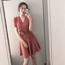 Spring and summer new retro slim v-neck long temperament dress waist short sleeve a word big swing small black skirt female tide