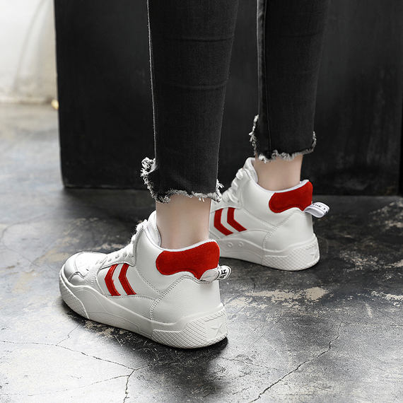 Yue walk hip-hop female shoes tide couple high-top sneakers female 2018 new Korean version of the wild student casual shoes autumn