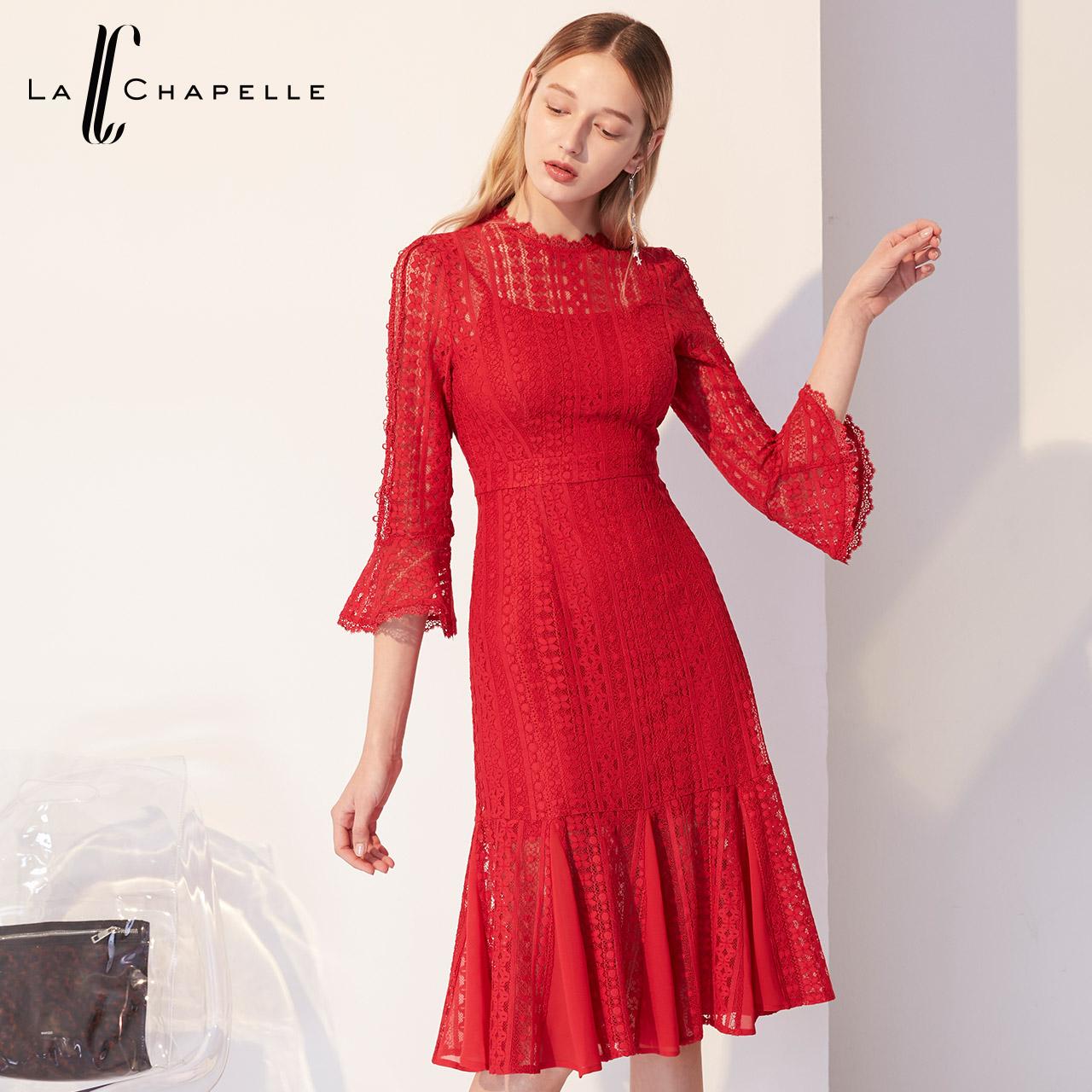拉夏贝尔2019新款女装夏季收腰蕾丝连衣裙黑色性感修身包臀短裙子