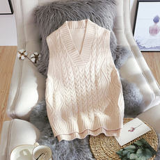 Sweater vest women's knitted head spring and autumn loose Korean version of the new wild college wind sleeveless vest wool vest