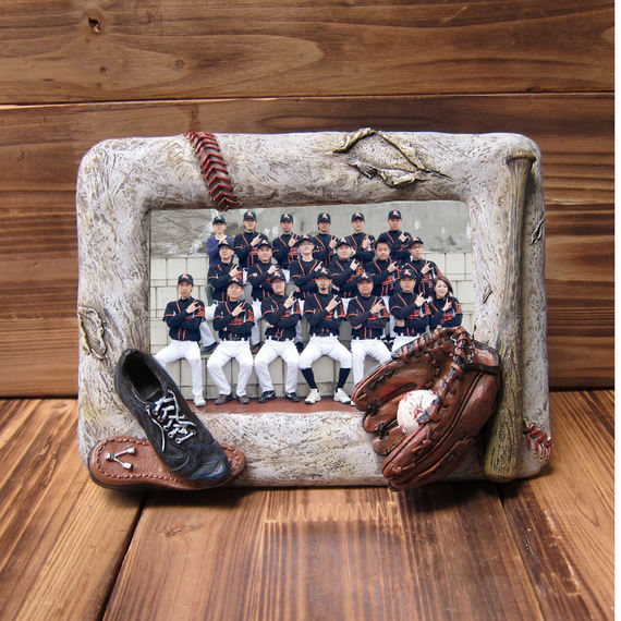 NPB softball bats fans game craft souvenirs Creative personality Three-dimensional embossed soft decorative table swing photo frame