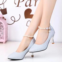 2018春季新款尖头浅口银色高跟鞋细跟中跟女鞋一字扣亮片珍珠单鞋