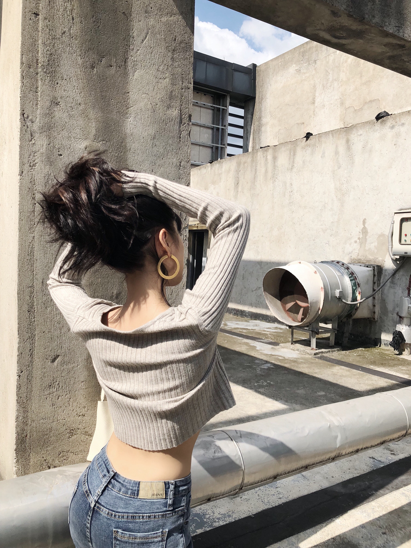 saya2018秋季新款短款露脐v领针织衫女开衫小外套长袖薄chic上衣