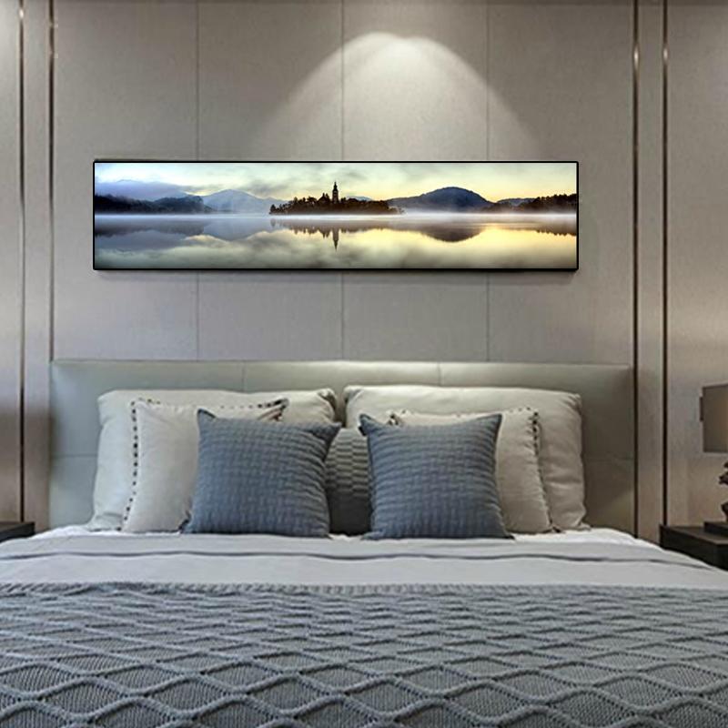 现代简约卧室背景墙挂画酒店宾馆装饰画睡觉图片