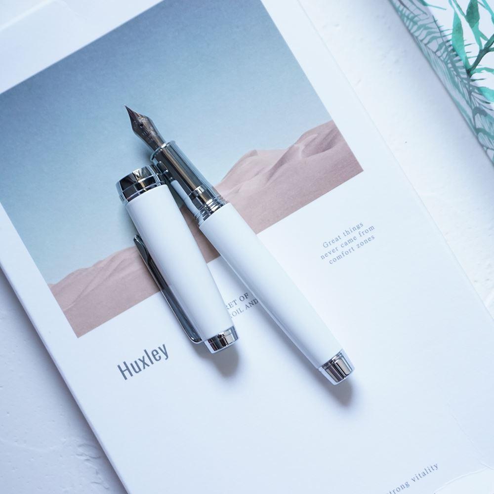 向鱼 礼品瓷白钢笔 得力克 特细小美工笔学生练字盒装新月笔