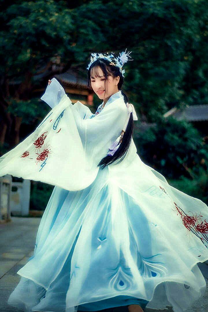 钟灵记齐胸襦裙女汉服雀灵绣花对襟唐制传统服饰清新日常仙女汉服