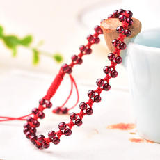 Zhenan Shun garnet anklet Wangfu evil spirits help pregnant pig business woman gem beauty beauty this year transfer