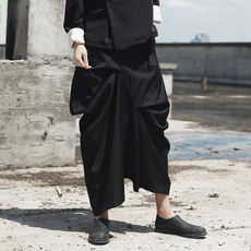 SIMPLE BLACK Diablo Designer's Irregularly Positioned Pleated Casual Half-length Skirt