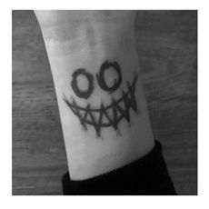 Flower Arm Girl TATTOO X33 Dark Clown Grimace Smiley Realistic Tattoo Sticker Tattoo Waterproof