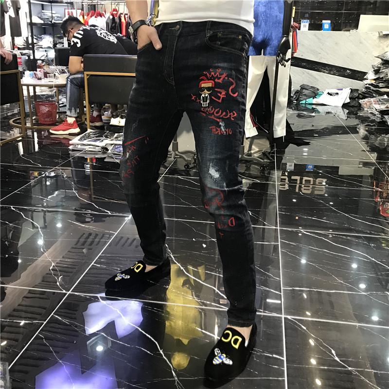 男士2019秋季新款欧洲站个性潮牌修身刺绣印花牛仔裤男小脚长裤子