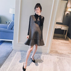 Maternity wear 2018 winter new Korean version of the V-neck houndstooth fishtail fashion pregnant women hot mom vest dress tide