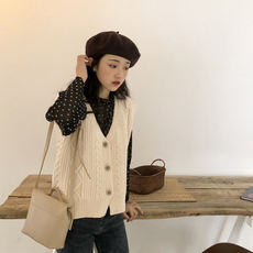 YUKI Xiaoshujia Textured and comfortable retro V-neck twisted knit wool vest Korean autumn new m0936