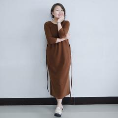 她城文艺2019早春新款随身显瘦针织焦糖弹力复古连衣裙/远香