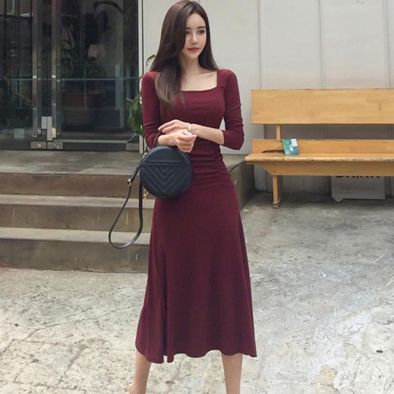 气质女神范衣服女秋装2019新款女装时尚修身性感方领针织连衣裙