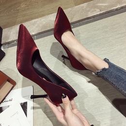 高跟鞋女春秋网红性感百搭2019新款春尖头学生少女超细跟红色单鞋
