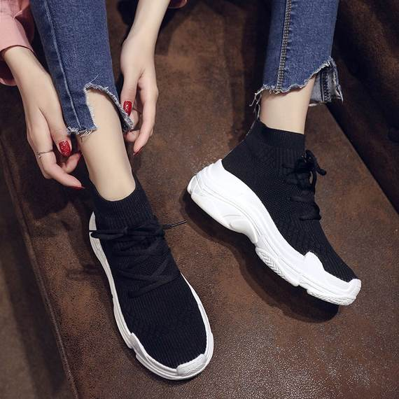 2018 new fashion casual simple socks shoes female Korean version of the thick-soled hip-hop hip-hop dance high shoes tide
